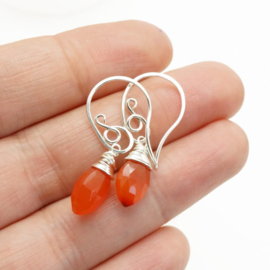 Echt zilveren oorbellen met carneool