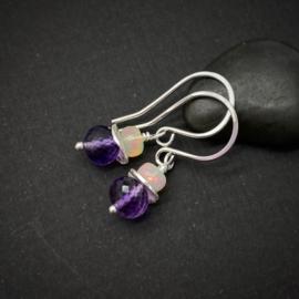 Zilveren oorbellen met Amethist en Opaal