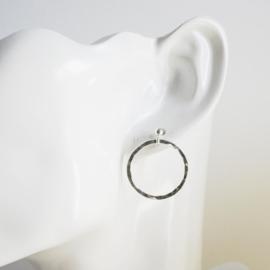 Zilveren oorknopjes met ring