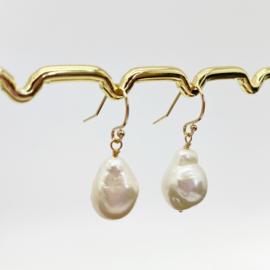 14k gold filled oorbellen met barok parels