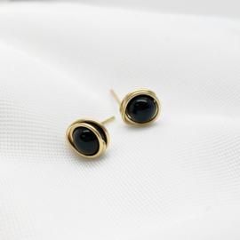Gouden oorknopjes met Onyx