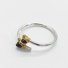 Zilveren ring met ruwe diamant