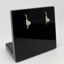 Zilveren minimalistische oorbellen met Prehniet