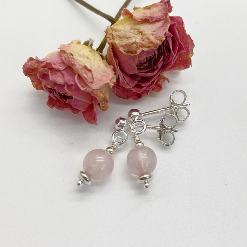 Zilveren oorknopjes met Rozenkwarts