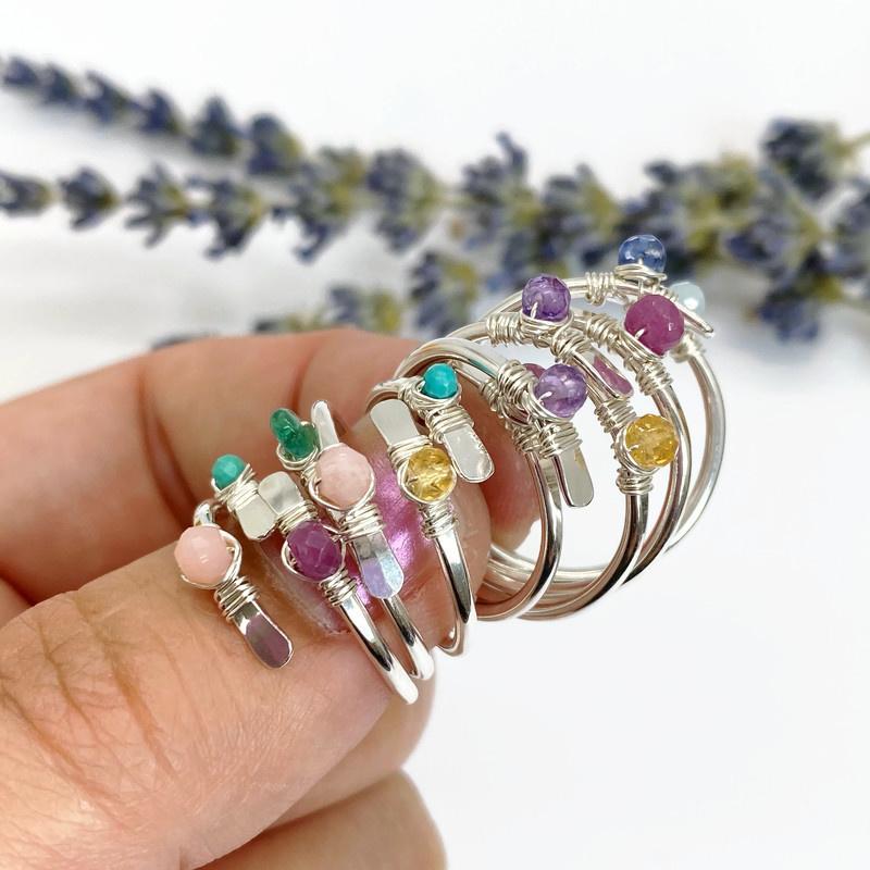 Zilveren ring met geboortesteen