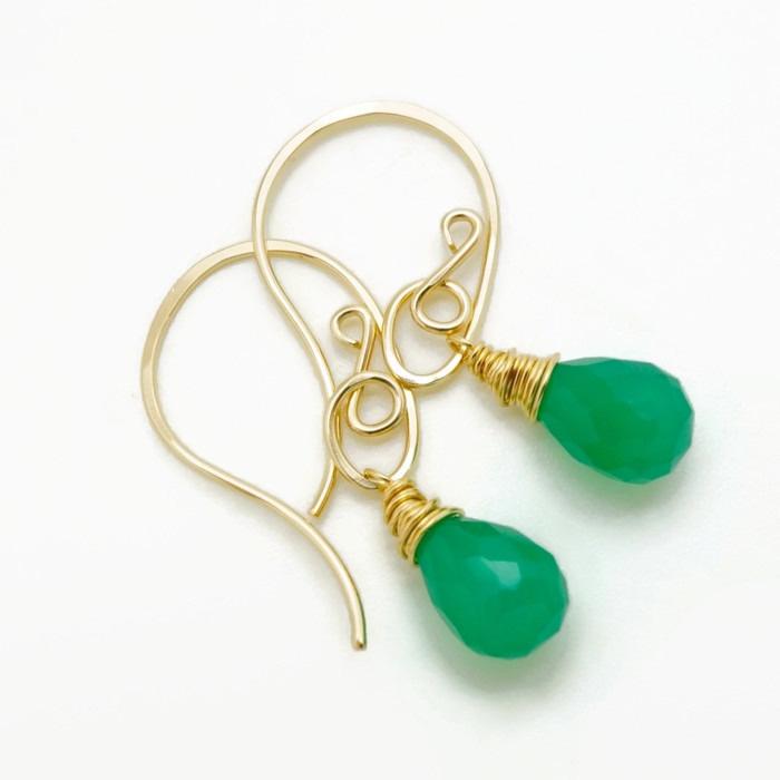14k goldfill oorbellen met groene onyx