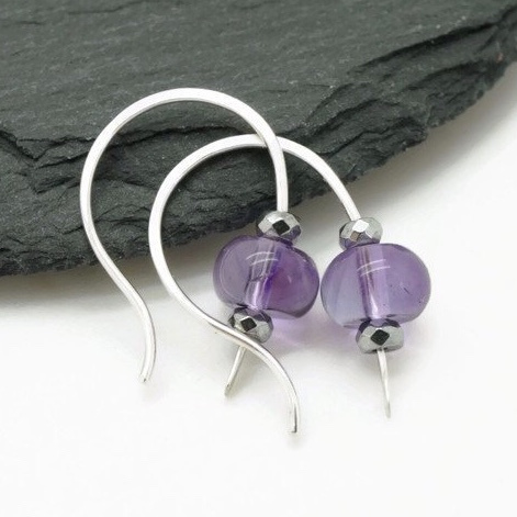 Zilveren amethist en hematiet oorbellen