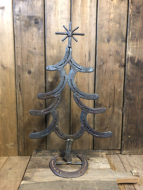 Kerstboom van hoefijzers #1