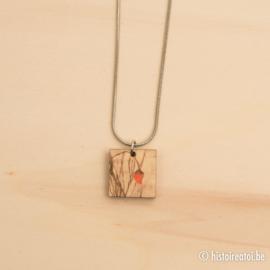 Halsketting vierkant houtprint klaproos
