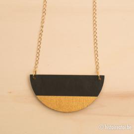 Halsketting halve cirkel zwart en goud