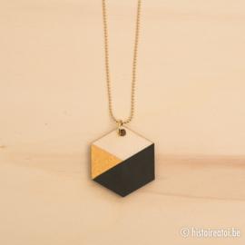 Halsketting zeshoek zwart goud en hout