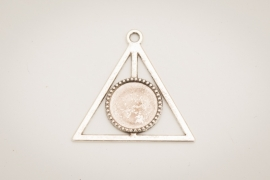 Zilverkleurige ketting - Geometrie