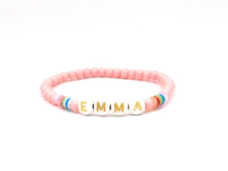 Naam, tekst armband, disc roze mix