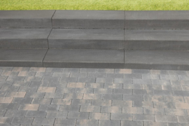 Traptrede met facet 100x35x15 indus black (kleurecht)