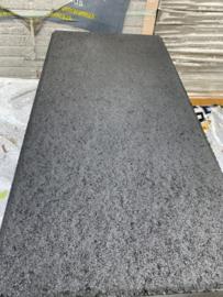 Traptrede met facet 60x30x15 indus black (kleurecht)