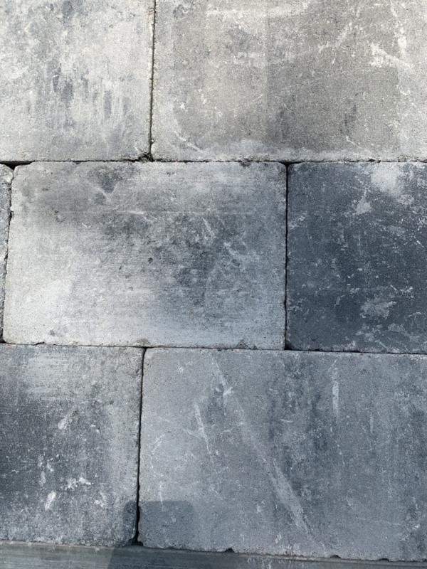 Trommelkassei 20x20 grijs zwart