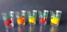 Glazen met fruitmotief. Set van vijf stuks. Jaren 70 (G15).