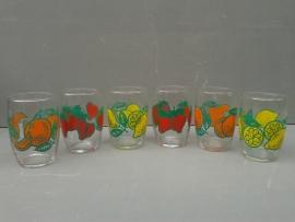 Glazen met fruitmotief. Set van zes stuks. Jaren 70 (G14).