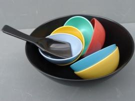 Kunststof pindaset serveerschaal jaren 60 (art 02).