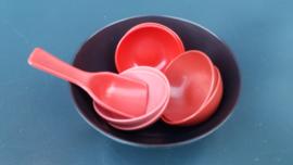 Kunststof pindaset serveerschaal jaren 60 (art05 ).