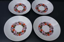 Set van vier diepe borden.