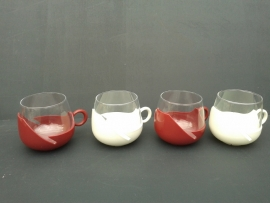 Set van vier theeglazen jaren 70 (TG04).