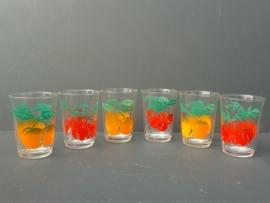 Glazen met fruitmotief. Set van zes stuks. Jaren 70  (G11)