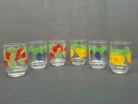 Glazen met fruitmotief. Jaren 70 (G17)