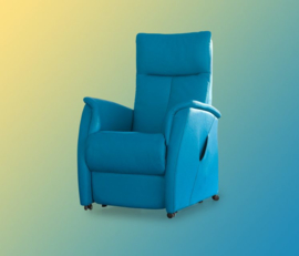Prominent Huys Vezzano sta op fauteuil