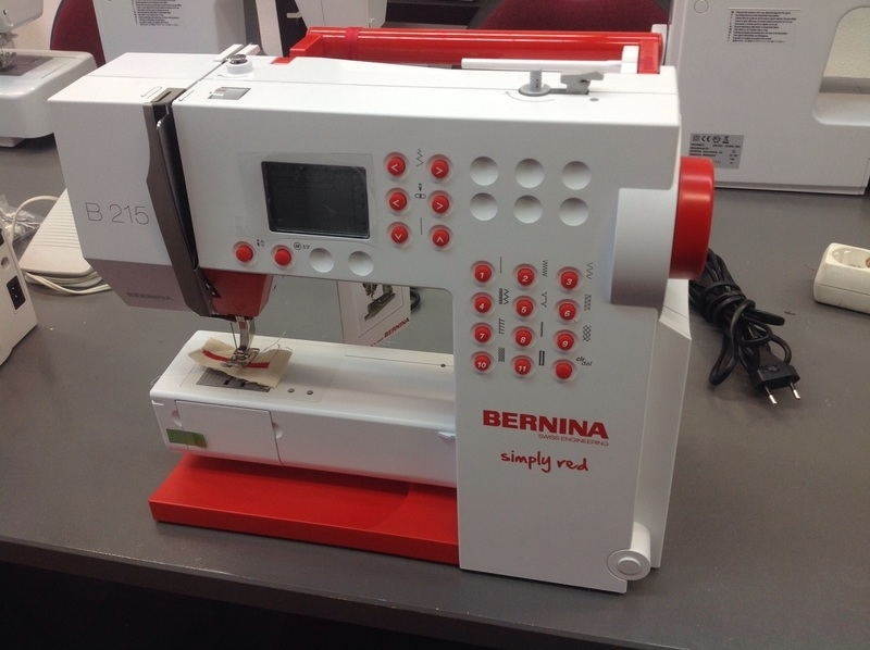 Bernina Simply red