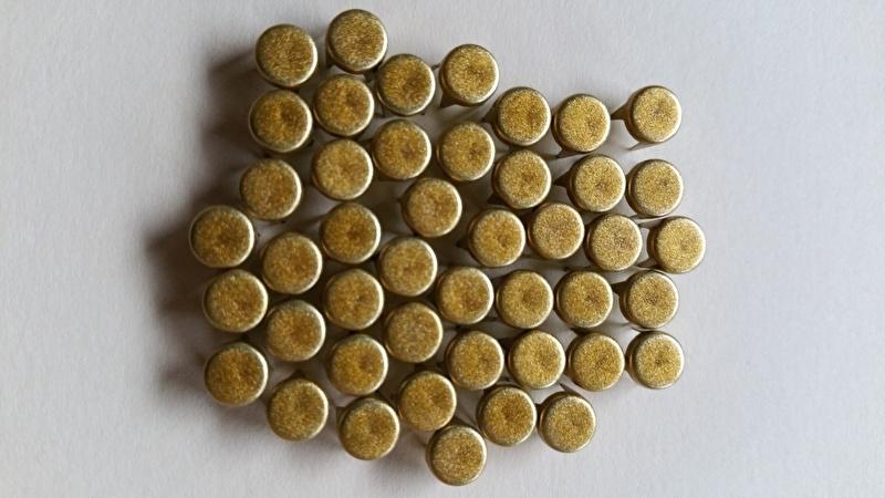 Nür 50  Zierknöpfe Gold/ Gold 001