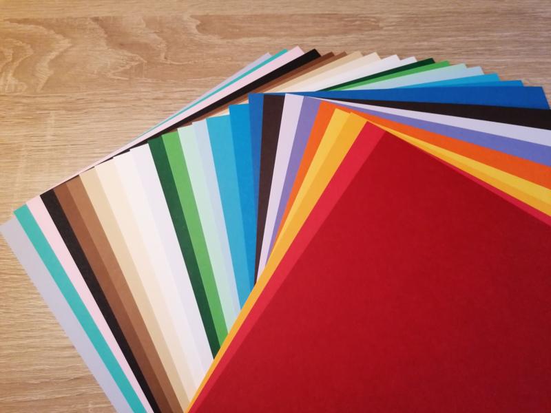 Papier A4 gemengde kleuren 240 Grams 25 vel