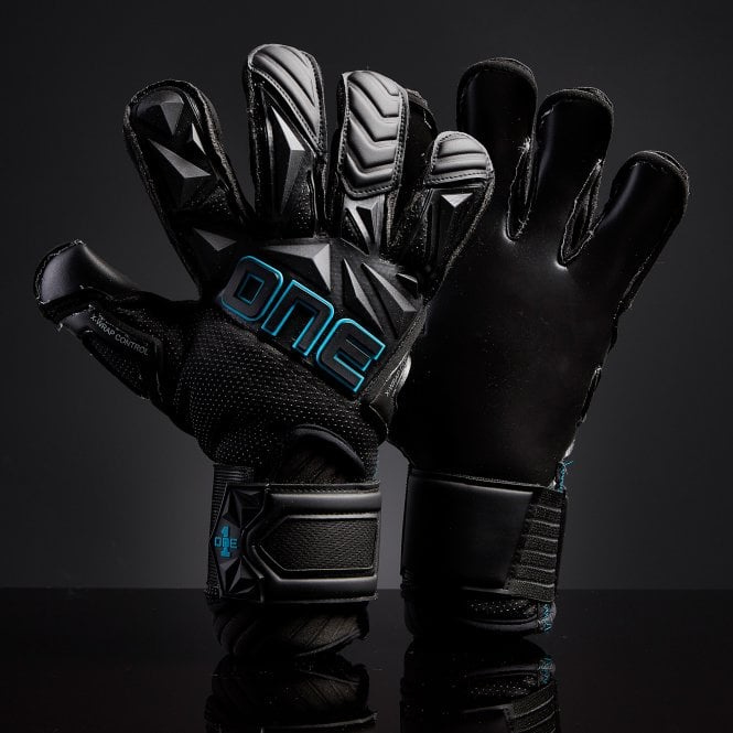 THE ONE GLOVE SLYR Boss