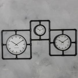 Industriële buisklok 3 klokken 109x58cm