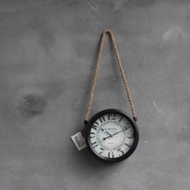 Klok zwart met touw hangend 21cm