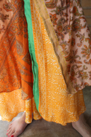 Wikkelrok 2-lagen  ORANJE GROEN met kasjmier motief - one size - Wrap and tie 2-layer ORANGE GREEN silk skirt with kashmir Paisley design