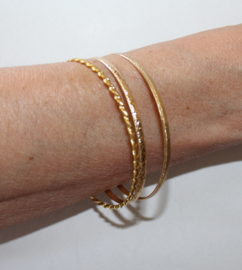 "Mix Setje van 3 GOUD kleurige armbandjes - diameter 7 cm Medium/Large M/L ""Bangles""  -  3-piece Mix set GOLD colored bracelets bangles"