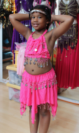 Buikdanskostuum FUCHSIA, PAARS, LIME, TURQUOISE, ROOD, BLAUW, ZWART, WIT met muntjes meisjes 3-delig : topje+ hoofdbandje + rokje (9-13 jaar) - 3-pce bellydance costume girls BRIGHT PINK, TURQUOISE, BLUE, PURPLE, RED, BLACK, WHITE : top + headband + skirt