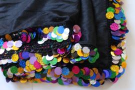 Iskanderani sluier ZWART  met MULTICOLOR pailletten rand en haakwerk Melaya Leff  Egypte - 160 cm x 260 cm - Iskanderani veil BLACK for Melaya Leff style from Alexandria, MULTICOLOR sequins rimmed