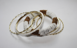 Armbanden setje 5-delig India Ibiza met kraaltjes WIT GOUD - 5-piece beaded bracelet set Indian Ibiza style WHITE GOLD