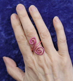Krullen ring ROZE - one size adaptable - Curly ring PINK