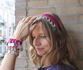 Diadeem FUCHSIA met ZILVEREN muntjes en kraaltjes Tiara voor meisjes en dames - one size - Tiara FUCHSIA PINK with SILVER beads and coins for ladies and girls