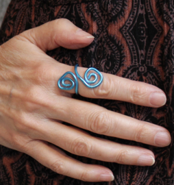 Krullen ring BLAUW - one size adaptable - Curly ring BLUE