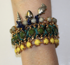 """Frozen"" armband met bedeltjes hartje, schelpje, vis GEEL GROEN GRIJS GOUD - ""Frozen"" charm bracelet, heart, shell, fish YELLOW GREEN GREY GOLD"