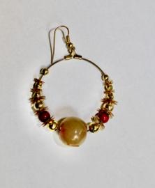 1 Gipsy oorbel oorring  GOUD kleurig met BORDEAUX en OLIJF GROENE kralen - 1 Gypsy Earring GOLD color  + BURGUNDY + OLIVE GREEN beads