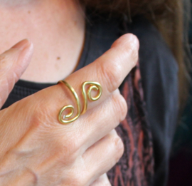Krullen ring GOUD - GOLDEN Curly ring - one size adaptable - Bague serpentée DORÉE