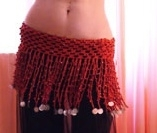 Gehaakte slierten kralengordel steen ROOD ZILVER -  L, XL, LARGE, Extra Large - Crocheted hipbelt RED, SILVER coins decorated
