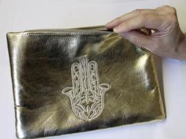 Tasjes met handje van Fatima Hamsa GOUD of BORDEAUX etui - 24 cm x 17 cm - Purses / Pouches hand of Fatima GOLD or BURGUNDY (DARK RED)