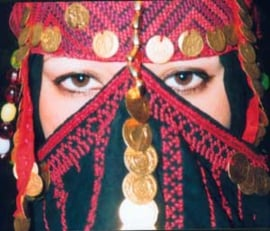 Origineel bedoeinen gezichtsmasker, Niqab, Egypte met kralen, munten en borduurwerk, handwerk - Badou bedouin facemask, niqab, Authentic embroidery handycraft from Egypt