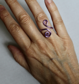 Krullen ring PAARS - one size adaptable - Curly ring PURPLE